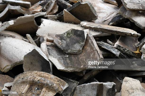 rubble - rubble stock pictures, royalty-free photos & images