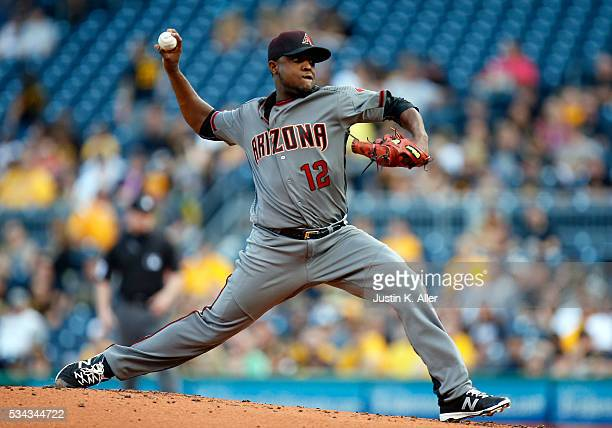 Rubby De La Rosa of the Arizona Diamondbacks pitches in the first inning during against the Pittsburgh Pirates the game at PNC Park on May 25 2016 in...