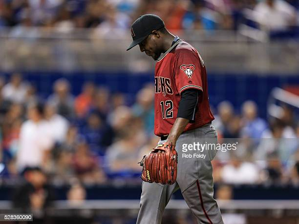 Rubby De La Rosa of the Arizona Diamondbacks reacts after being taken out of the game against the Miami Marlins during the sixth inning at Marlins...
