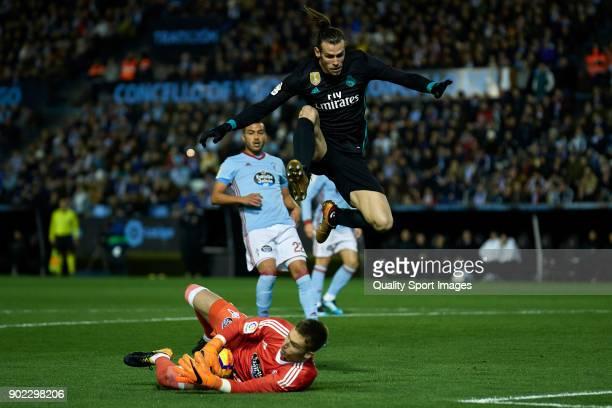 Ruben Blanco of Celta de Vigo catches the ball during the La Liga match between Celta de Vigo and Real Madrid at Estadio de Balaidos on January 7...