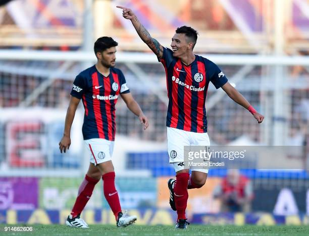 Ruben Botta of San Lorenzo celebrates after scoring the first goal of his team during a match between San Lorenzo and Boca Juniors as part of the...
