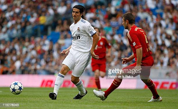 Ruben de la Red of Real Madrid is challenged by Robert Kovac of Bayern Muenchen during the Corazon Classic Match between Allstars Real Madrid and...