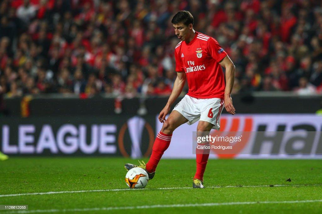SL Benfica v Galatasaray - UEFA Europa League Round of 32: Second Leg : News Photo