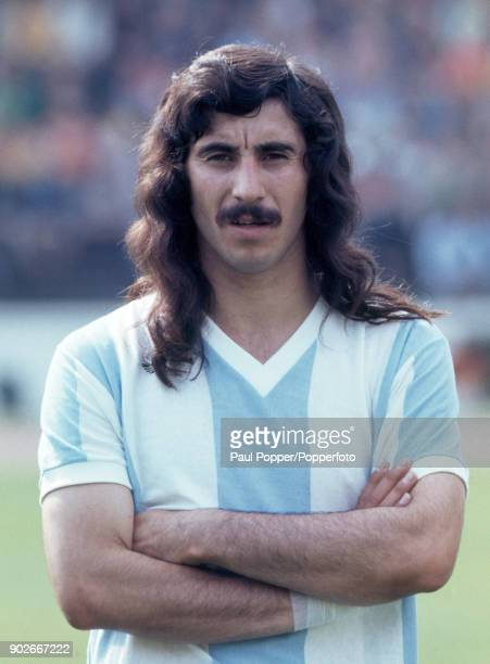 Ruben Hugo Ayala of Argentina prior to the FIFA World Cup match between Argentina and Brazil at the Niedersachsenstadion Hannover 30th June 1974