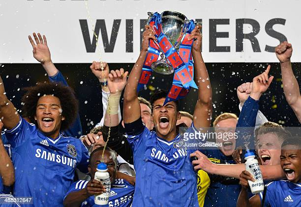 Ruben Loftus Cheek of Chelsea lifts the FA Youth Cup after winning the Second Leg match between Chelsea U18 and Fulham U18 at Stamford Bridge on May...