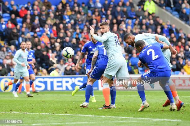 Ruben LoftusCheek of Chelsea scores his sides second goal during the Premier League match between Cardiff City and Chelsea FC at Cardiff City Stadium...