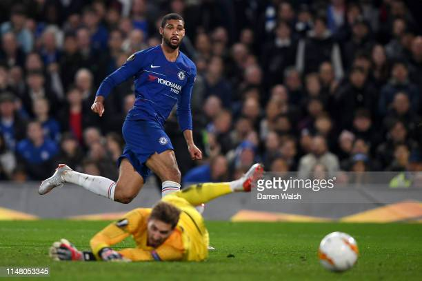 Ruben LoftusCheek of Chelsea scores his team's first goal past Kevin Trapp of Eintracht Frankfurt during the UEFA Europa League Semi Final Second Leg...