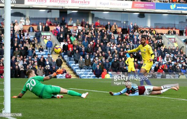 Ruben LoftusCheek of Chelsea scores his team's fourth goal during the Premier League match between Burnley FC and Chelsea FC at Turf Moor on October...
