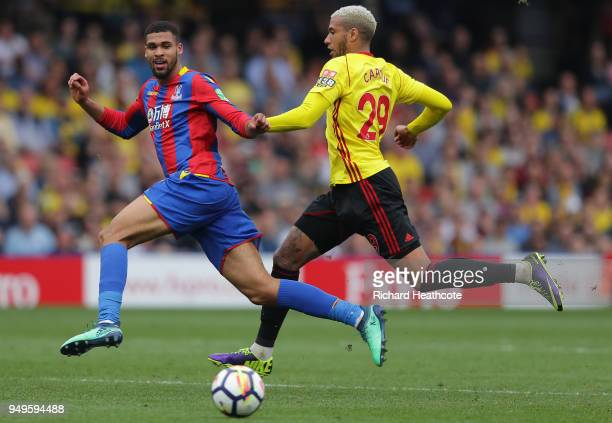 Ruben LoftusCheek of Crystal Palace runs with the ball under pressure from Etienne Capoue of Watford during the Premier League match between Watford...