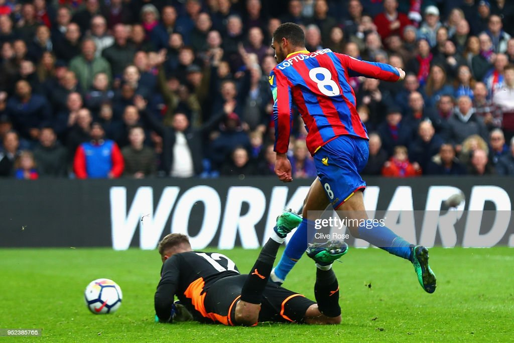 Ruben Loftus-Cheek of Crystal Palace scores his sides third goal during the Premier League match between Crystal Palace and Leicester City at Selhurst Park on April 28, 2018 in London, England.