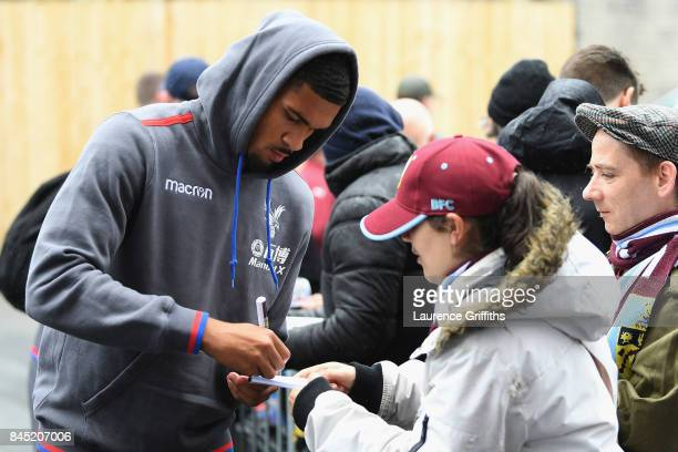 Ruben LoftusCheek of Crystal Palace signs autographs prior to the Premier League match between Burnley and Crystal Palace at Turf Moor on September...