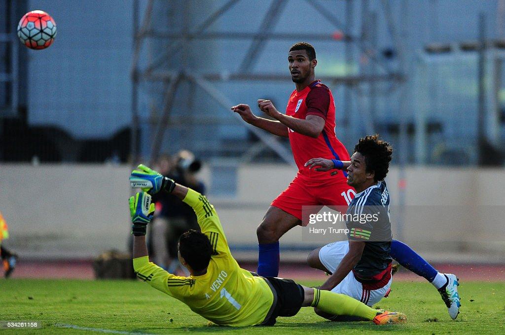 Paraguay v England - Toulon Tournament