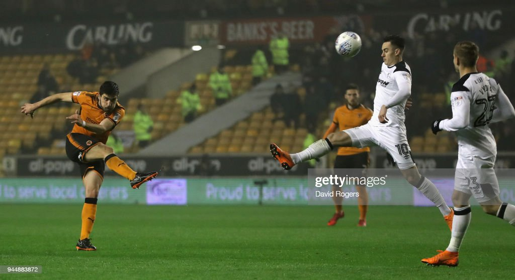 Ruben Neves of Wolverhampton Wanderers scores a brilliant second half goal during the Sky Bet Championship match between Wolverhampton Wanderers and Derby County at Molineux on April 11, 2018 in Wolverhampton, England.