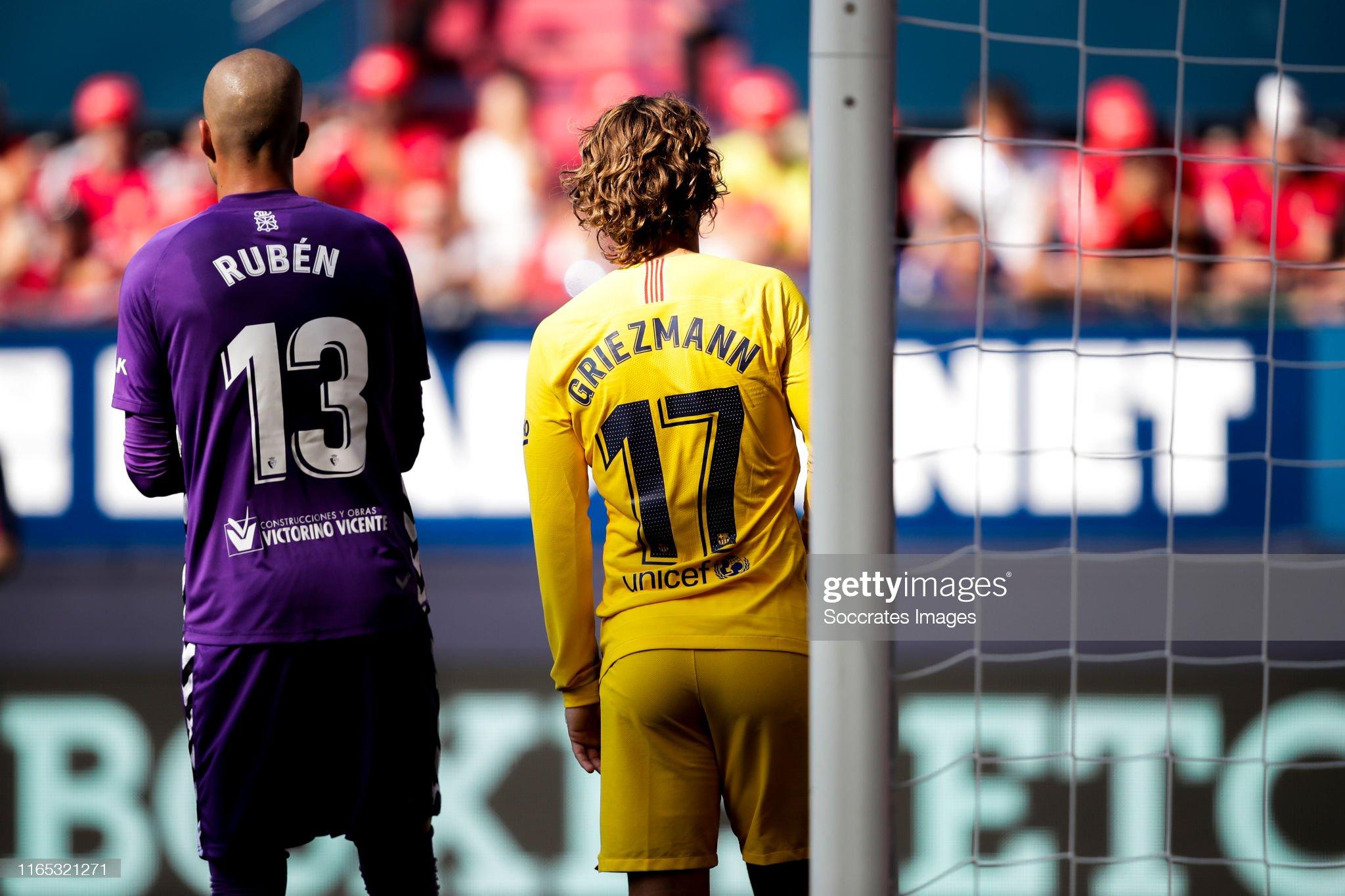 صور مباراة : أوساسونا - برشلونة 2-2 ( 31-08-2019 )  Ruben-of-ca-osasuna-antoine-griezmann-of-fc-barcelona-during-the-la-picture-id1165321271?s=2048x2048