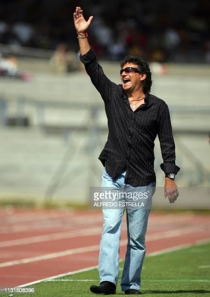 Ruben Omar Romano entrenador de Atlas reacciona contra una decisión del árbitro en partido contra Pumas de la Universidad Nacional correspondiente a...