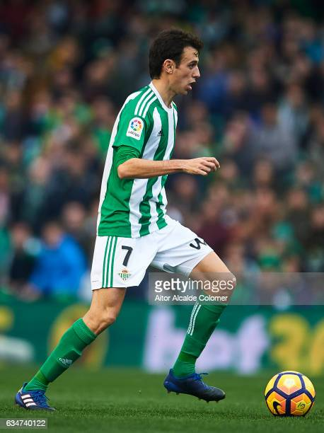 Ruben Pardo of Real Betis Balompie in action during La Liga match between Real Betis Balompie and Valencia CF at Benito Villamarin Stadium on...