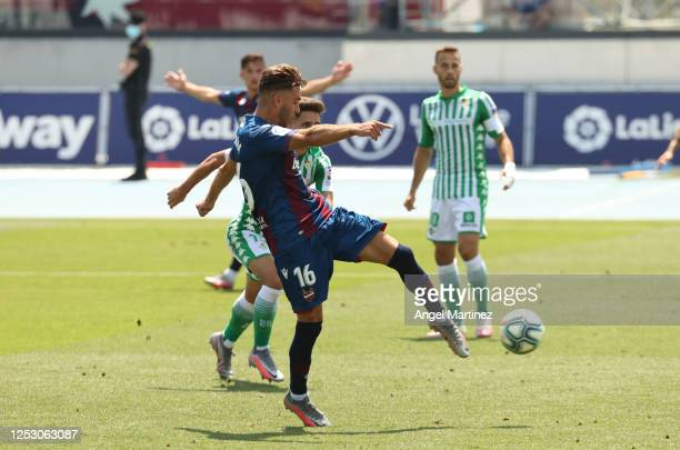 Ruben Rochina of Levante UD scores his team's fourth goal during the La Liga match between Levante UD and Real Betis Balompie at Estadi Olimpic...