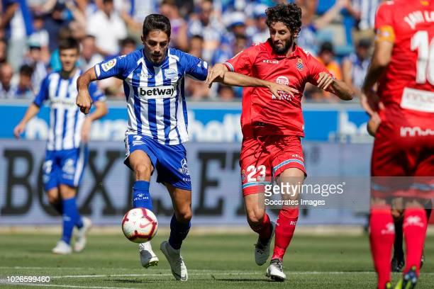 Ruben Sobrino of Deportivo Alaves Esteban Granero of Espanyol during the La Liga Santander match between Deportivo Alaves v Espanyol at the Estadio...