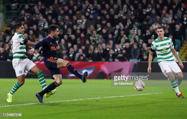 Ruben Sobrino of Valencia scores his sides second goal during the UEFA Europa League Round of 32 First Leg match between Celtic and Valencia at...