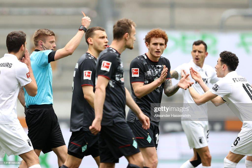 FC Augsburg v SV Werder Bremen - Bundesliga : Nachrichtenfoto