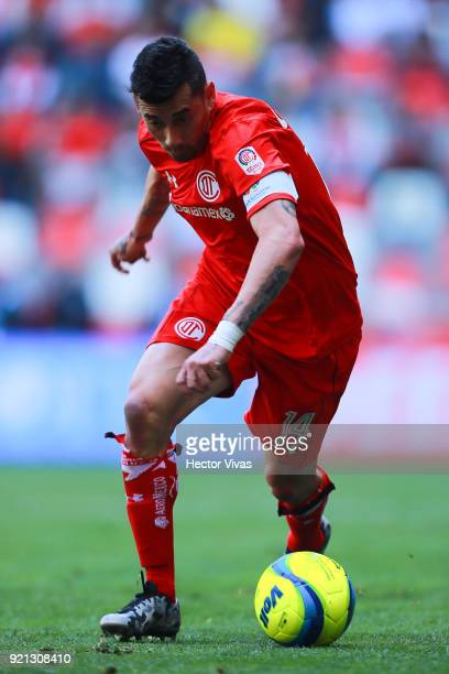 Rubens Sambueza of Toluca drives the ball during the 8th round match between Toluca and Santos Laguna as part of the Torneo Clausura 2018 Liga MX at...