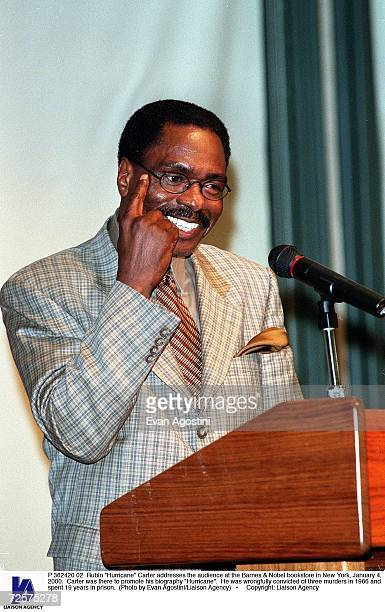 Rubin Hurricane Carter addresses the audience at the Barnes Nobel bookstore in New York January 4 2000 Carter was there to promote his biography...