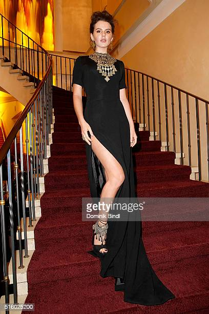 Ruby O Fee attends the Premiere of 'Das Geheimnis der Hebamme' at Gloria Palast on March 16 2016 in Munich Germany