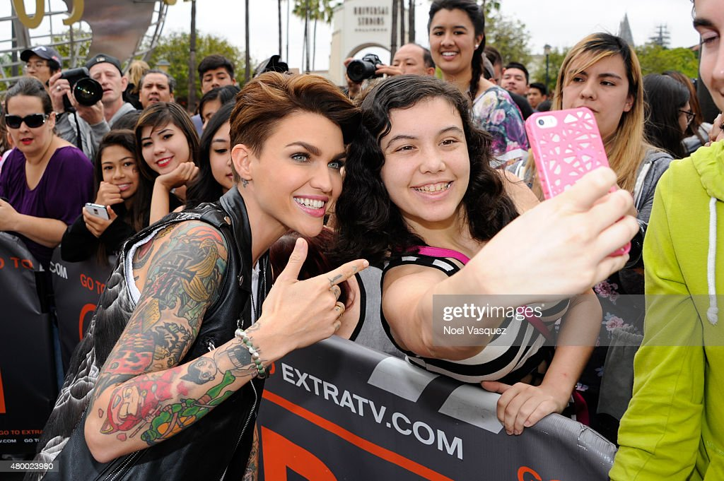 """Ruby Rose, Mark McGrath, and Cody Simpson On """"Extra"""" : News Photo"""
