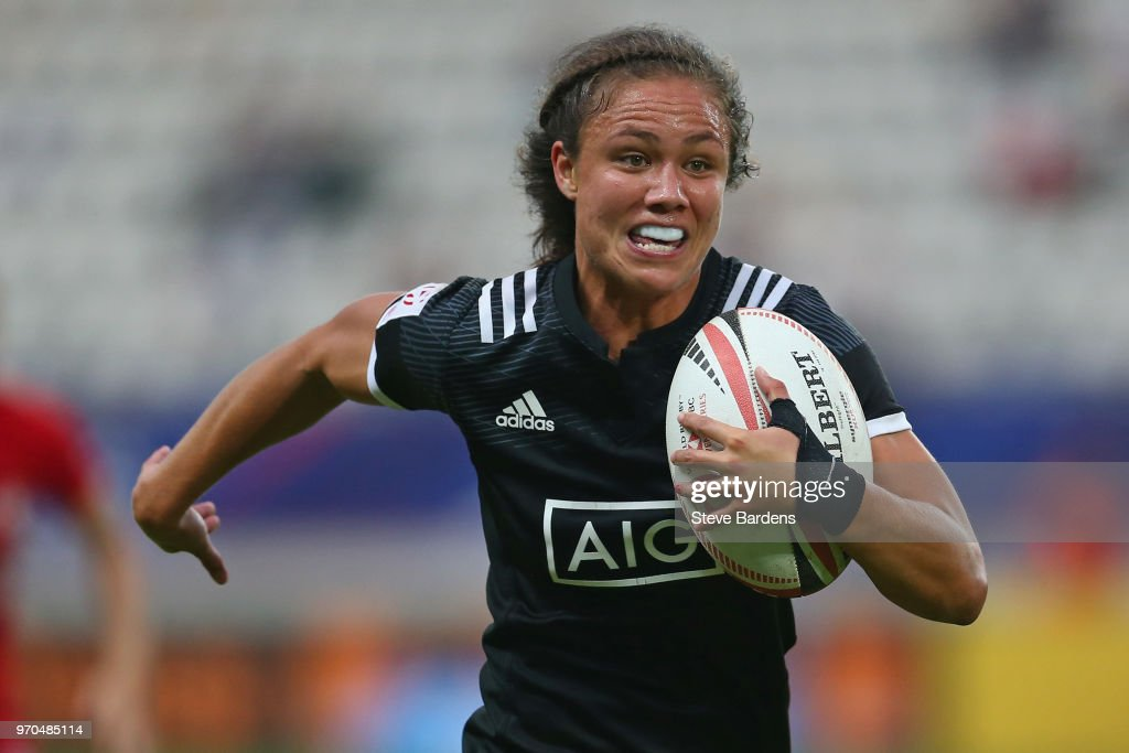 Ruby Tui of New Zealand breaks away to score a try during the Women's Cup semi final between New Zealand and Canada during the HSBC Paris Sevens at Stade Jean Bouin on June 9, 2018 in Paris, France.