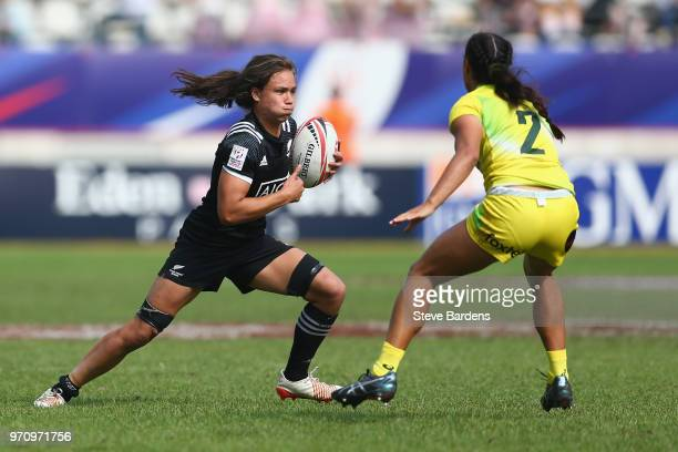 Ruby Tui of New Zealand is takes on Yasmin Meakes of Australia during the Women's Cup Final between New Zealand and Australia during the HSBC Paris...
