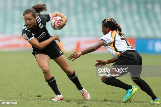 Ruby Tui of New Zealand makes a break during the pool match between New Zealand and Papua New Guinea in the 2017 HSBC Sydney Sevens at Allianz...