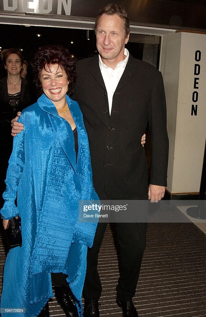 Ruby Wax, Love Actually Movie Premiere At The Odeon Leicester Square, London
