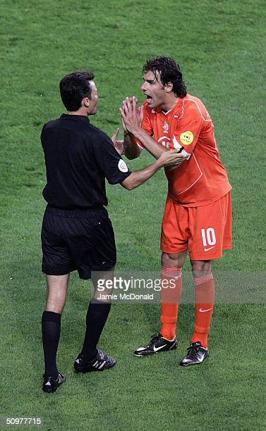 Rudd Van Nistelrooy of Holland argues with the Referee during the UEFA Euro 2004 Group D match between Holland and the Czech Rep at the Municiple de...