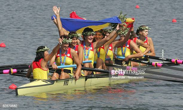 Rudern Olympische Spiele Athen 2004 Athen Achter / Frauen / Finale Gold Team Romaenien Elena GEORGESCU Donia IGNAT Georgeta DAMIAN Elisabeta LIPA...
