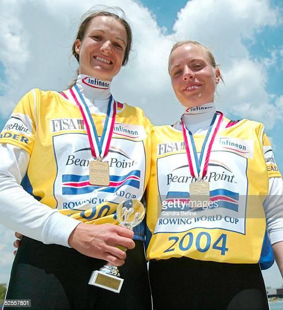 Rudern Weltcup 2004 Muenchen Lightweight Women's Double Sculls Goldmedaille fuer Daniela REIMER und Claudia BLASBERG / GER 290504