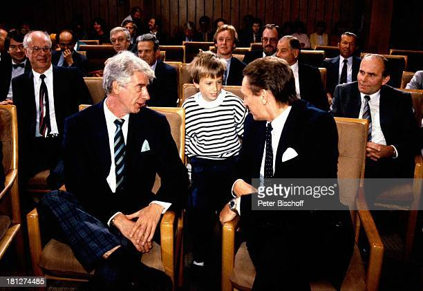 Rudi Carrell Sohn Alexander DrJohann TönjesCassens BundesverdienstkreuzVerleihung Syke bei Bremen Kind Kinder Showmaster Sänger Schauspieler...
