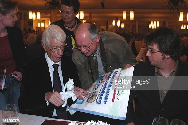 Rudi Carrell Sohn Alexander Fans Verleihung des MünchhausenPreises der Stadt Bodenwerder 2005 Buchhagen bei Bodenwerder Deutschland