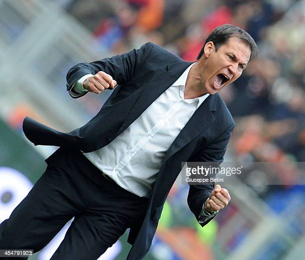 Rudi Garcia head coach of Roma celebrates the victory after the Serie A match between AS Roma and ACF Fiorentina at Stadio Olimpico on December 8...