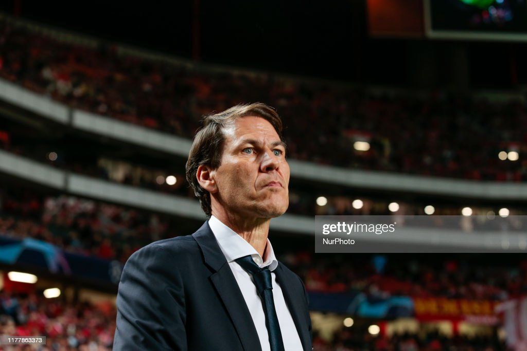 SL Benfica v Olympique Lyon: Group G - UEFA Champions League : News Photo