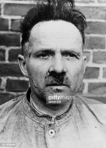 Rudolf Franz Hoess*19001947SSFührer D19341938 Rapportführer im Konzentrationslager Dachau19381940 Adjutant im Konzentrationslager...
