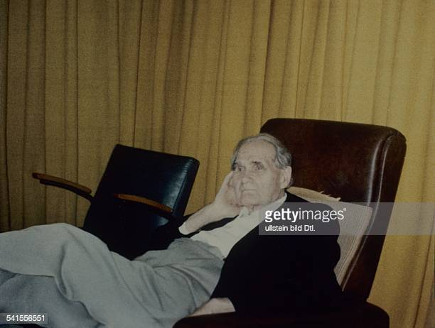 Rudolf Hess*26041894Politician NSDAP GermanyHess in the Warcriminal prison in Berlin Spandau undated around 1986