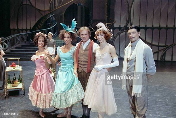 Rudolf Noureev Sylvie Guillem and dancers of the Ballet of the National Theater of the Opera of Paris during the shooting of the ballet 'Cendrillon'...