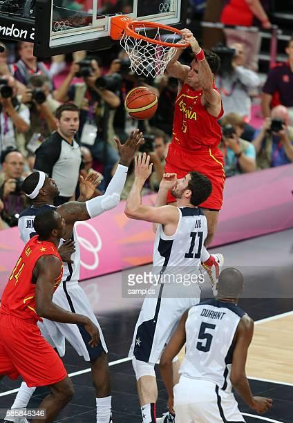 Rudy Fernandez ESP gegen Kevin LOve Basketball Final Finale USA - Spanien USA Spain Olympische Sommerspiele in London 2012 Olympia olympic summer...
