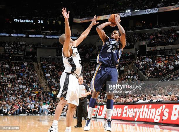 Rudy Gay of the Memphis Grizzlies shoots against Tony Parker of the San Antonio Spurs April 9, 2010 at the AT&T Center in San Antonio, Texas. NOTE TO...