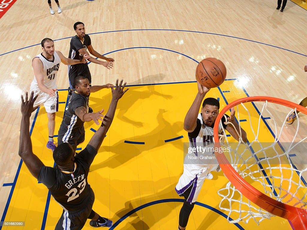 Rudy Gay #8 of the Sacramento Kings shoots the ball against the Golden State Warriors on November 28, 2015 at ORACLE Arena in Oakland, California.