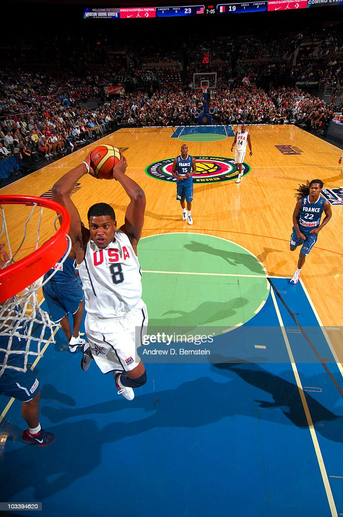 Rudy Gay #8 of the USA Men's National Team dunks against France on August 15, 2010 at Madison Square Garden in New York City.