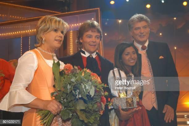 """Rudy Giovannini und Belsy , Marianne Hartl , Ehemann Michael Hartl , ZDF-Musikshow """"Grand Prix der Volksmusik"""" 2006, München, Deutschland, , P.-Nr...."""
