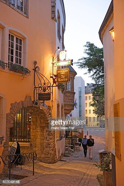 rue de la loge in the old town of luxembourg - luxembourg benelux stock pictures, royalty-free photos & images