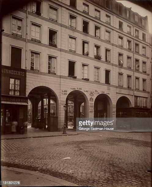 11 Rue des Innocents Maison construite par le chapitre de St Germain 1907