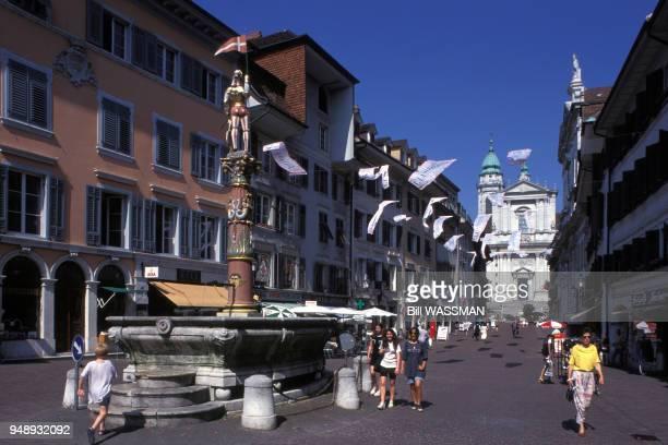 Rue du centre ville de Soleure en 1995 Suisse